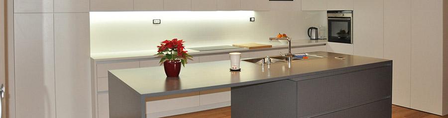 Moderne lesene kuhinje po naročilu